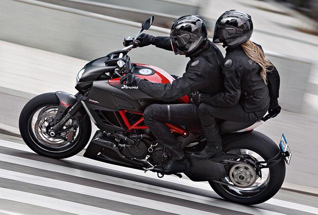 Ducati Diavel mit Sozius