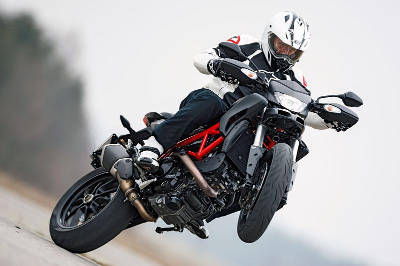 Ducati Hypermotorad 821 Wheelie