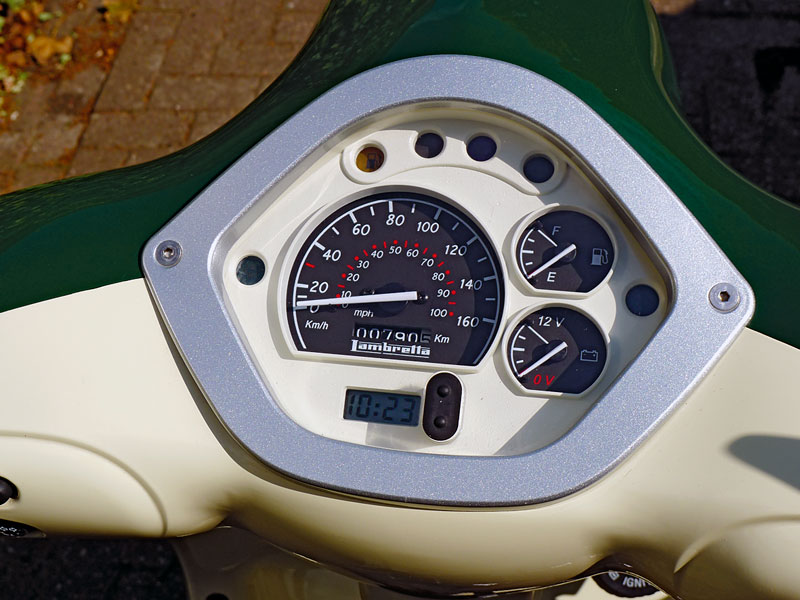 Lambretta LN 125 Cockpit