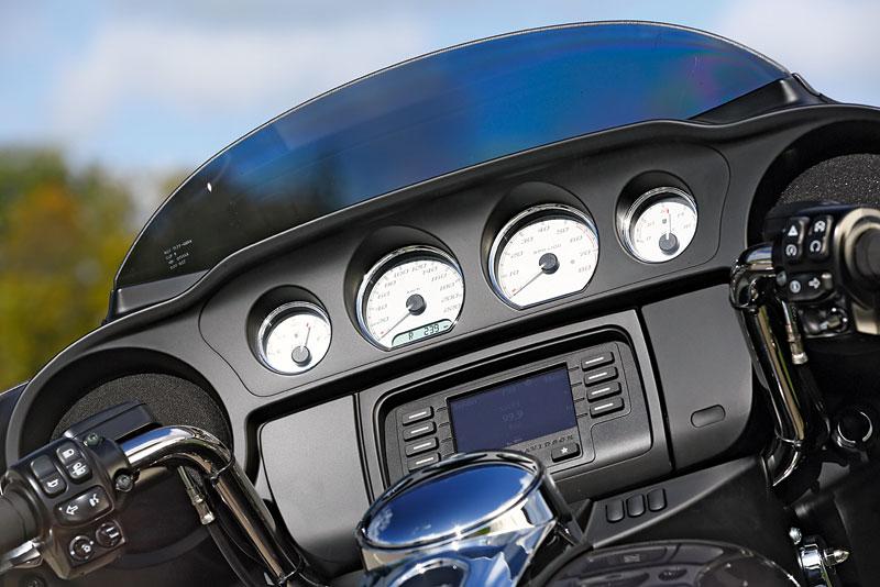 Harley-Davidson-Street-Glide Cockpit