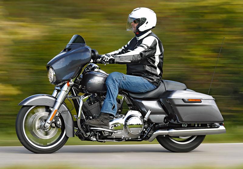 Harley-Davidson-Street-Glid