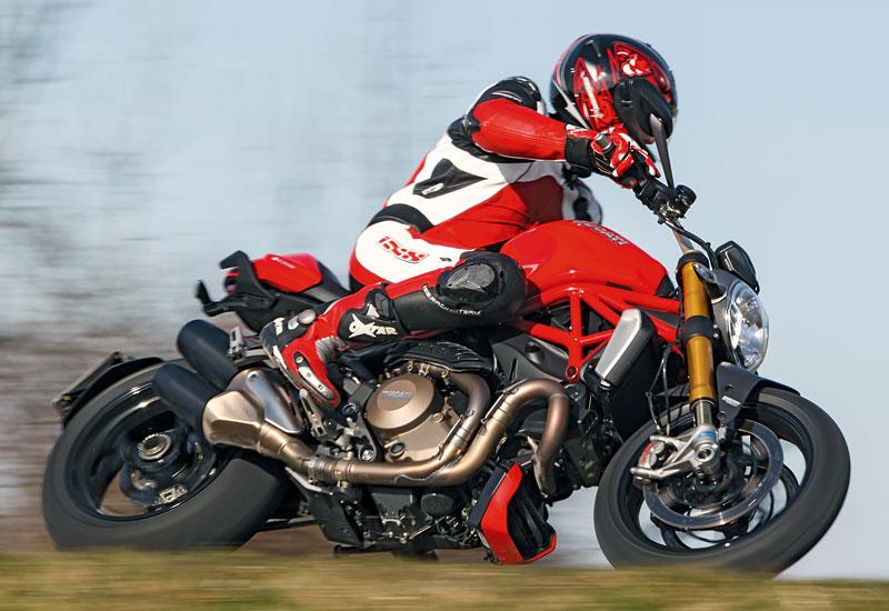 Ducati-Monster-1200S