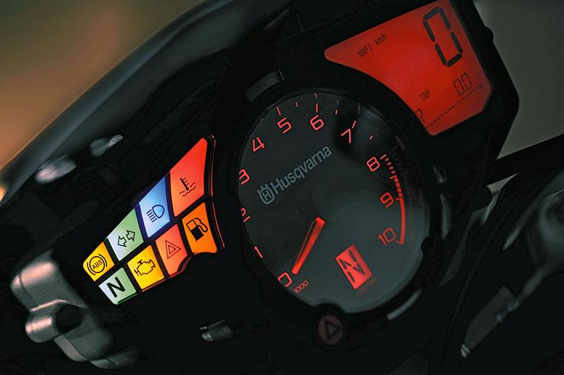 Nuda-900-Cockpit