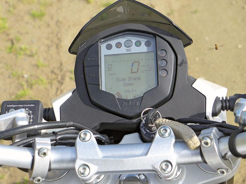 KTM 390 Duke Cockpit