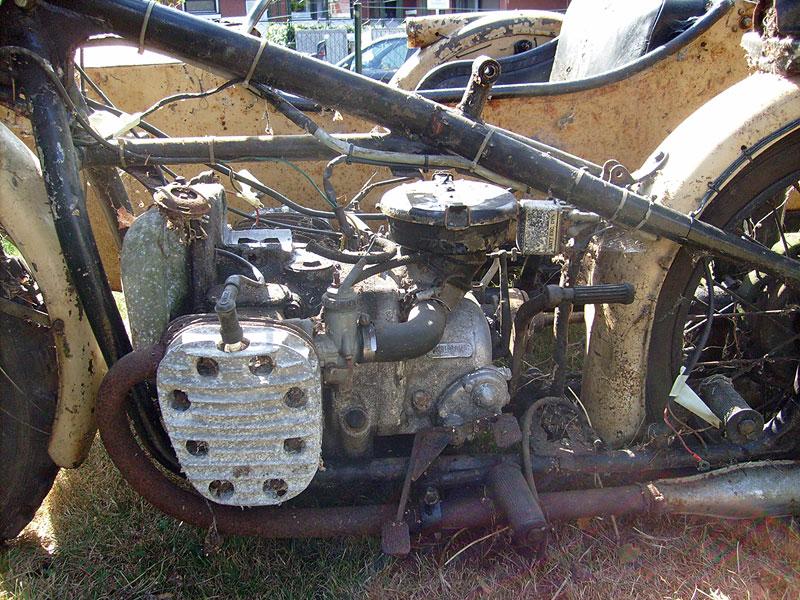 Ural-Gespann-Motor