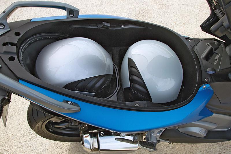 Helmfach-BMW-C600-Sport