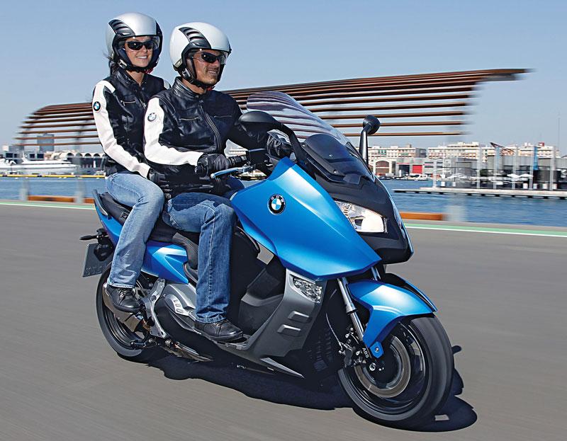 Sozius-auf-BMW-C600-Sport