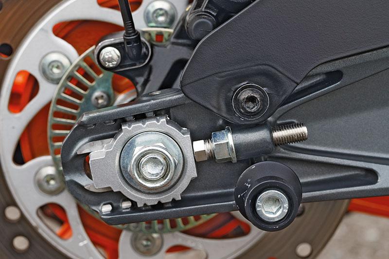 KTM-RC-390-Kettenspanner