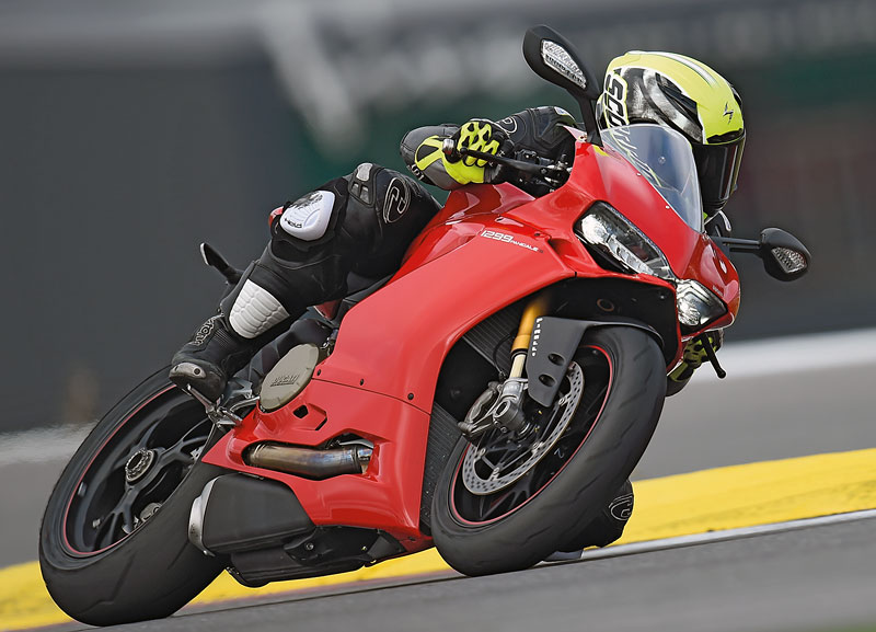Ducati 1299 Panigale Action