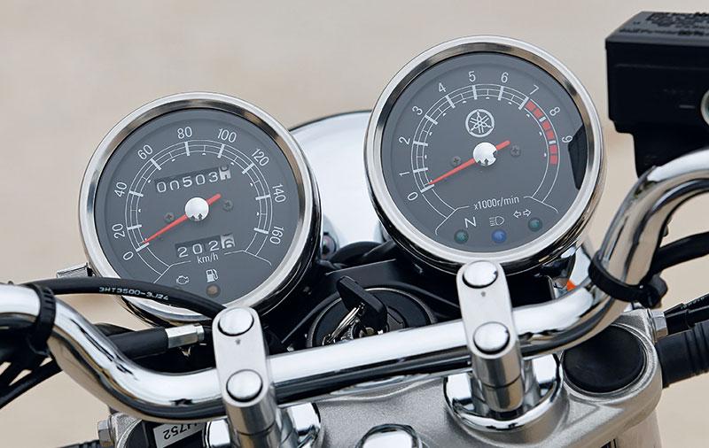 Yamaha SR400 Cockpit