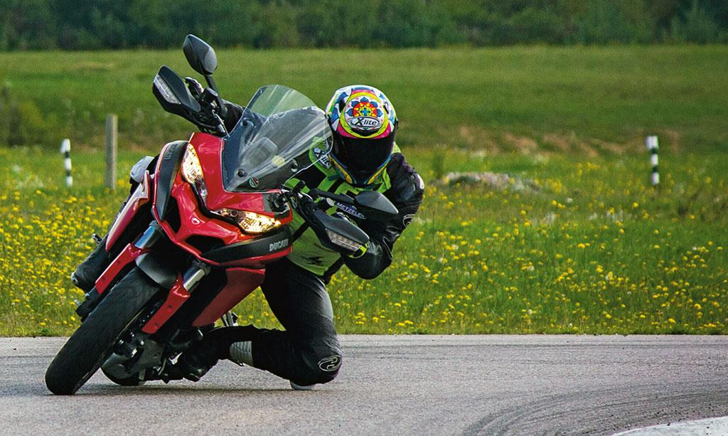 Ducati Multistrada 1200 S Modell 2015 Front