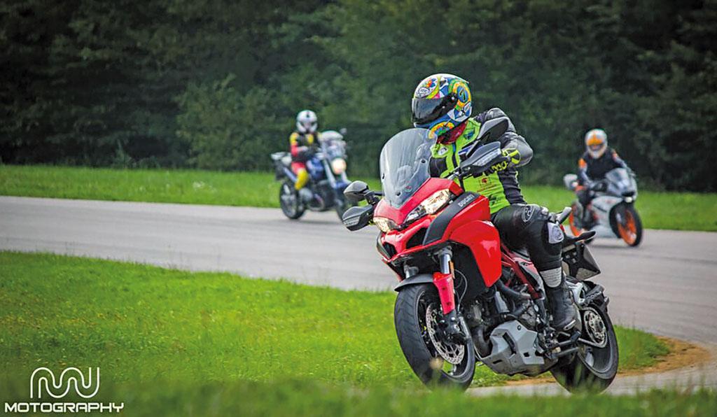 Ducati Multistrada 1200 S Modell 2015 links
