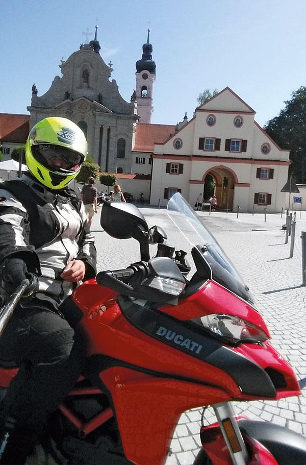 Selfie mit Ducati Multistrada 1200 S Modell 2015