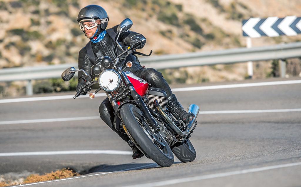 Moto Guzzi V7 II ABS Spezial Front