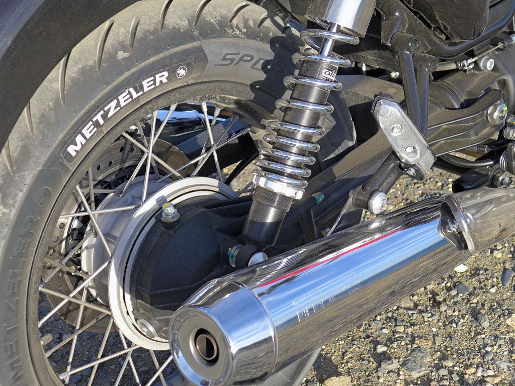 Moto Guzzi V7 II ABS Spezial Kardan