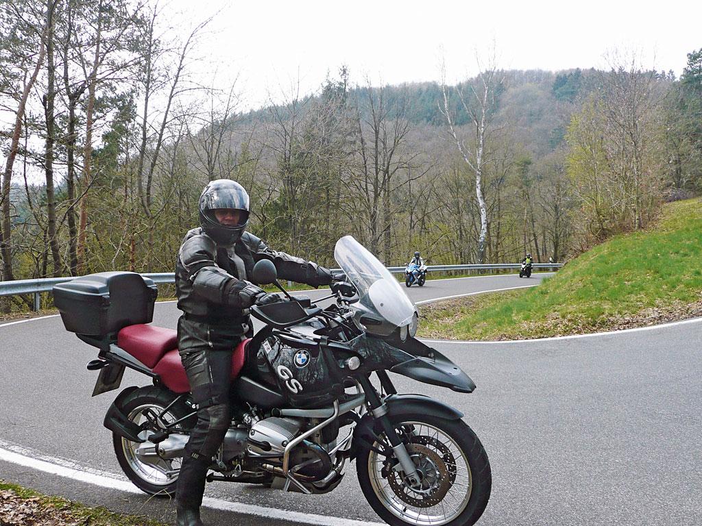 Kurvenspass in der Eifel
