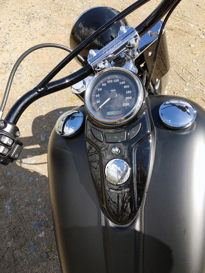Cockpit Harley Davidson Softail Slim 2016