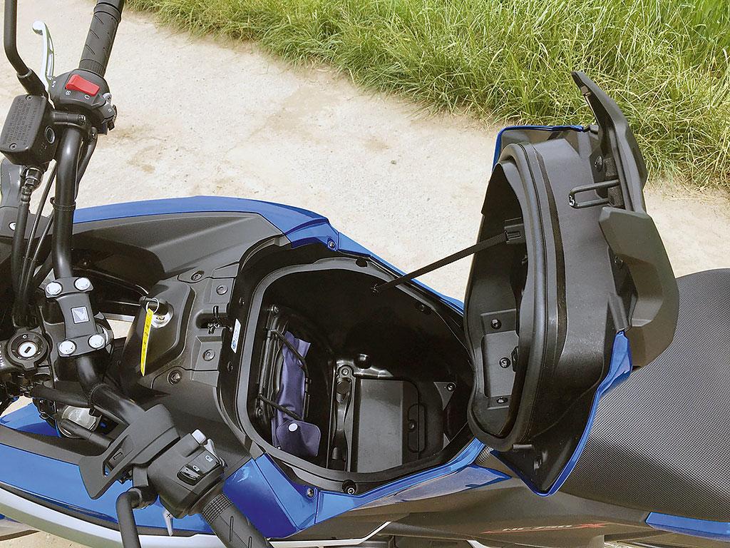 Honda NC750X DCT 2016 Staufach
