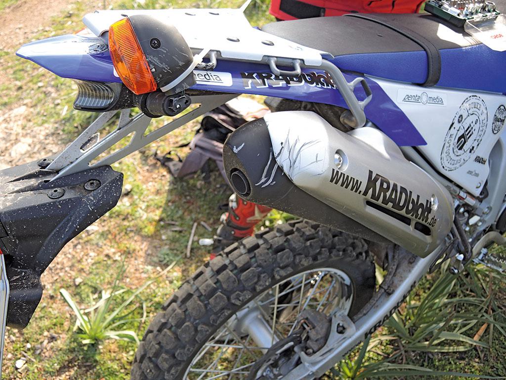 Yamaha WR250R Leichte Kampfspuren