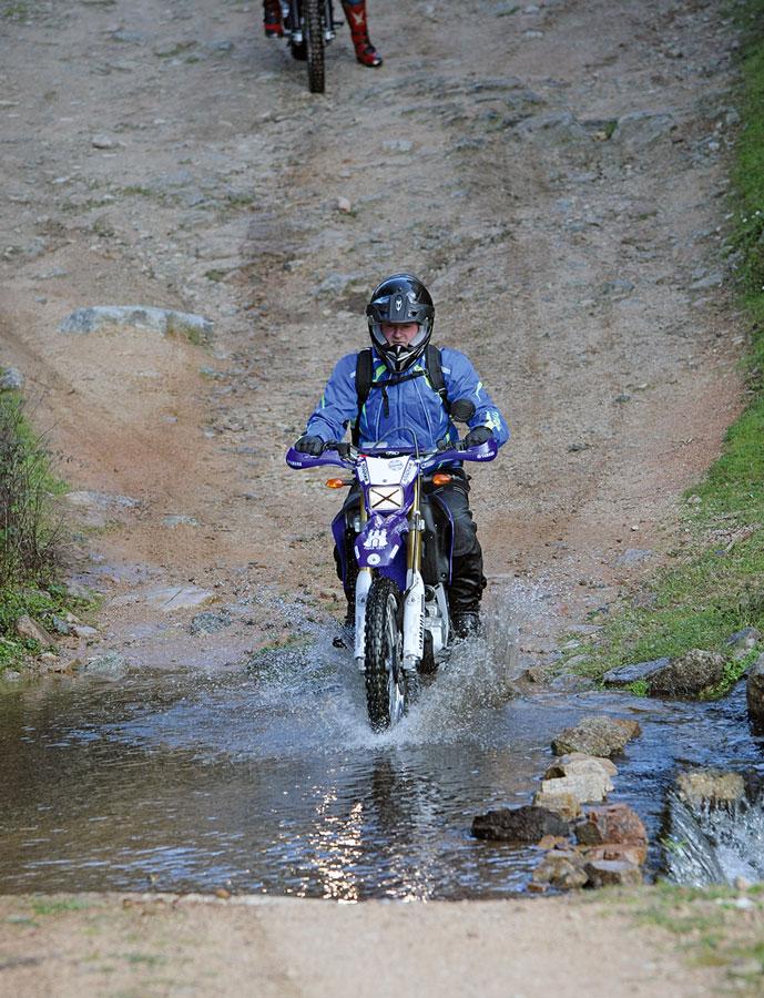 Yamaha WR250R Wasserdurchfahrt