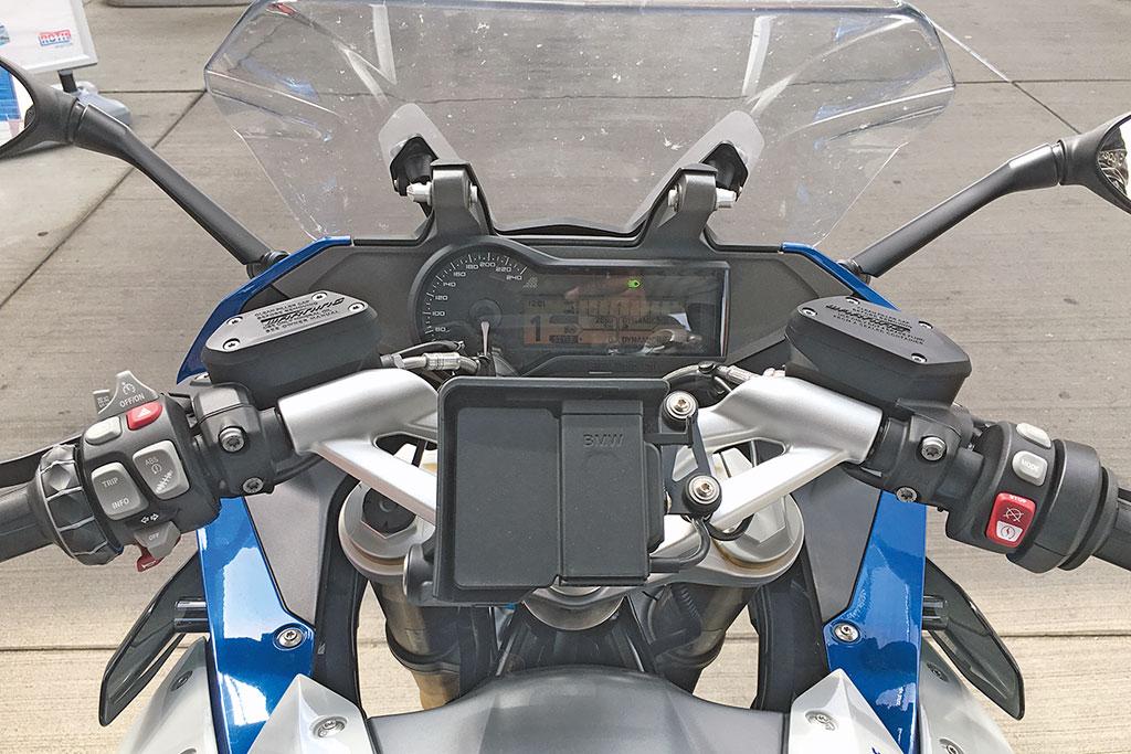Die Linke Hand hat gut zu tun BMW R 1200 RS