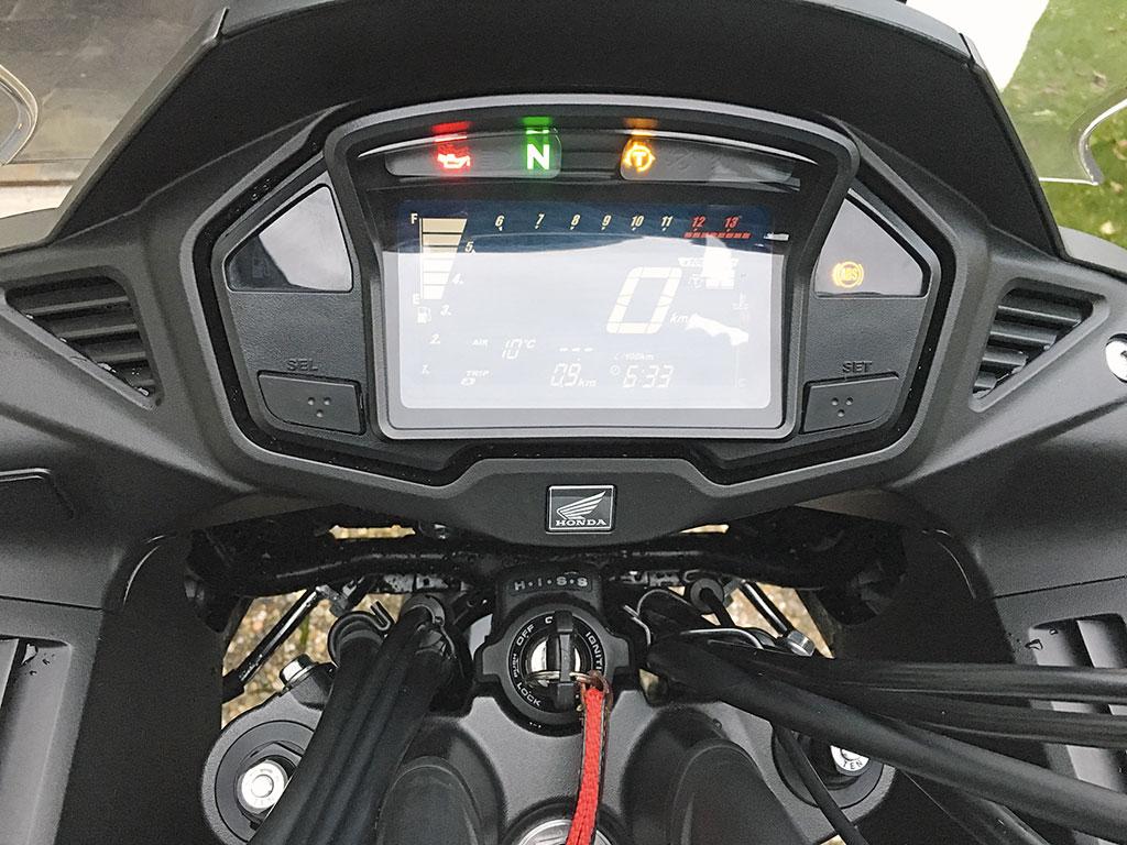 Honda VFR 800 X Crossrunner, Cockpit