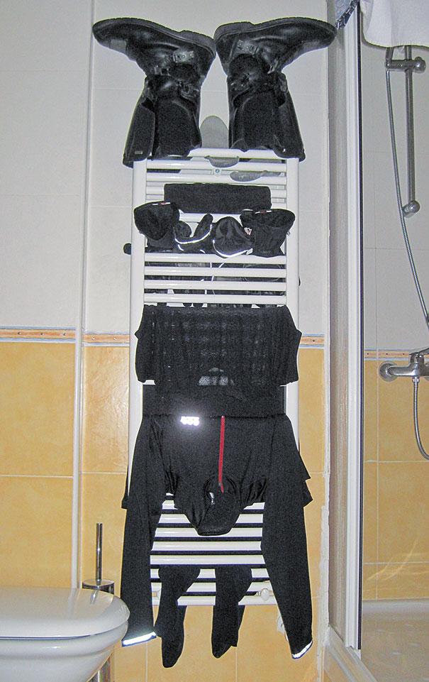 Nasse Klamotten trocknen im Hotel