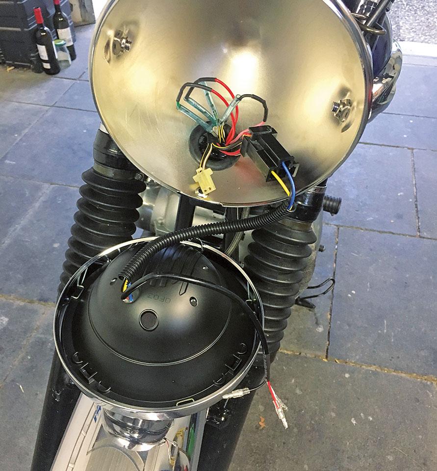 Montage Highsider LED-Scheinwerfer Reno Typ4