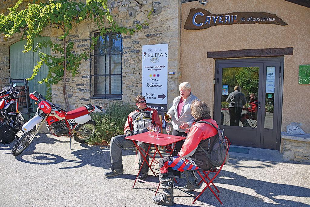 Kleine Degustation - Endurowandern in Südfrankreich