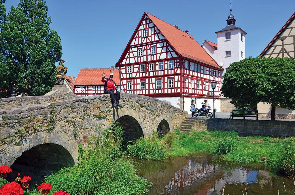 Brücke in Nordheim - Motorradtour Rhön