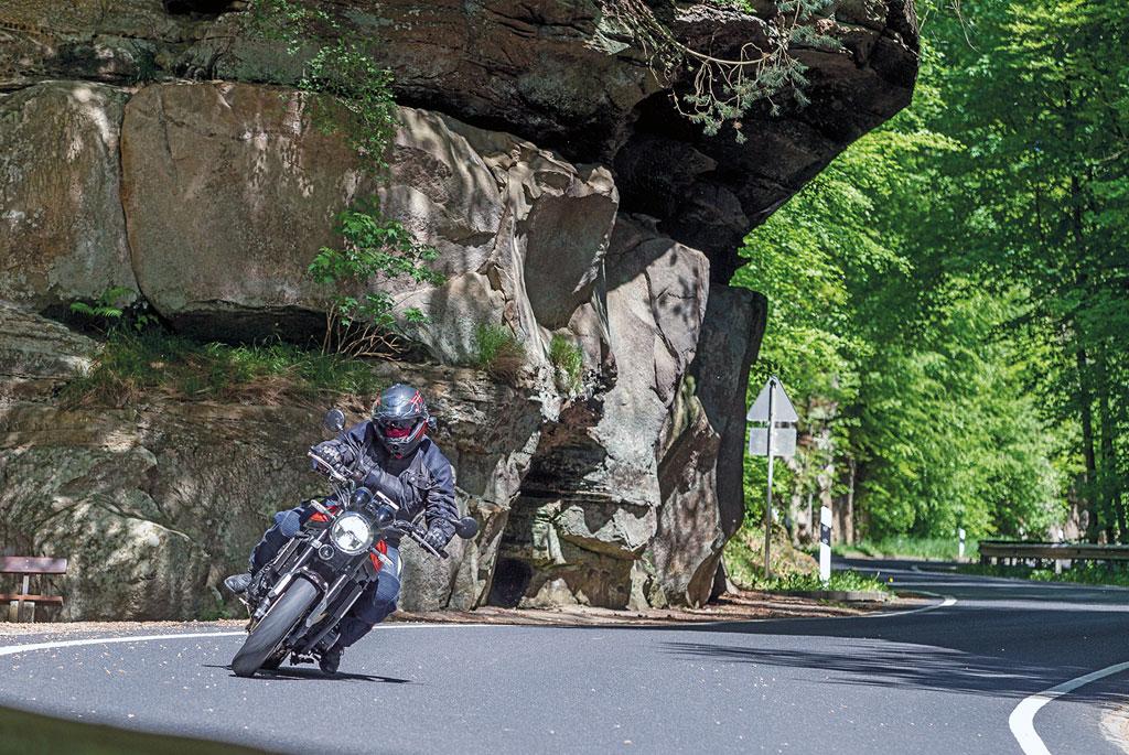 Luxemburg-Motorradtour - Im Müllerthal