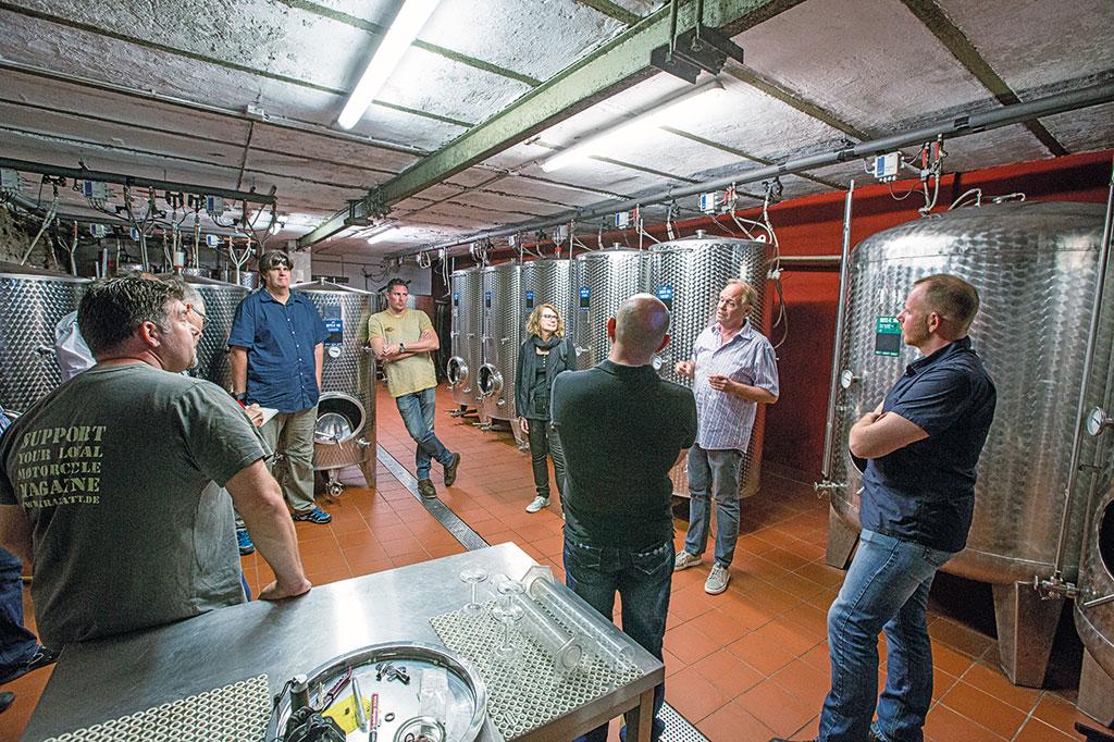 Luxemburg-Motorradtour - Weinherstellung