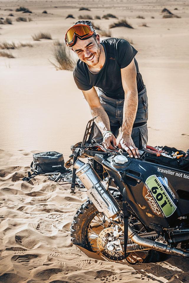 Reparatur in der Wüste