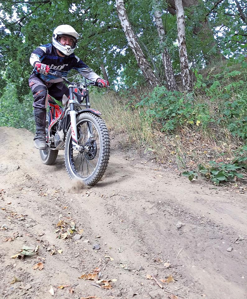 Trial Einsteigertraining - bergab bremsen