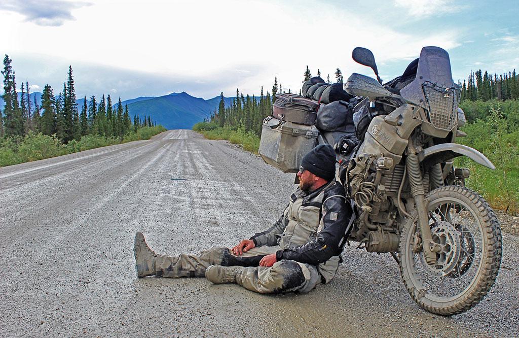 Erschöpfung - Motorradreise Alaska - © Erik Peters, www.motorradreisender.de