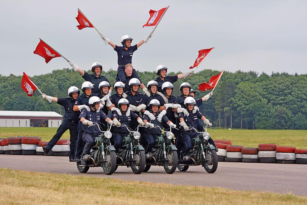 Pyramide - Motorradstaffel der Polizei Hamburg