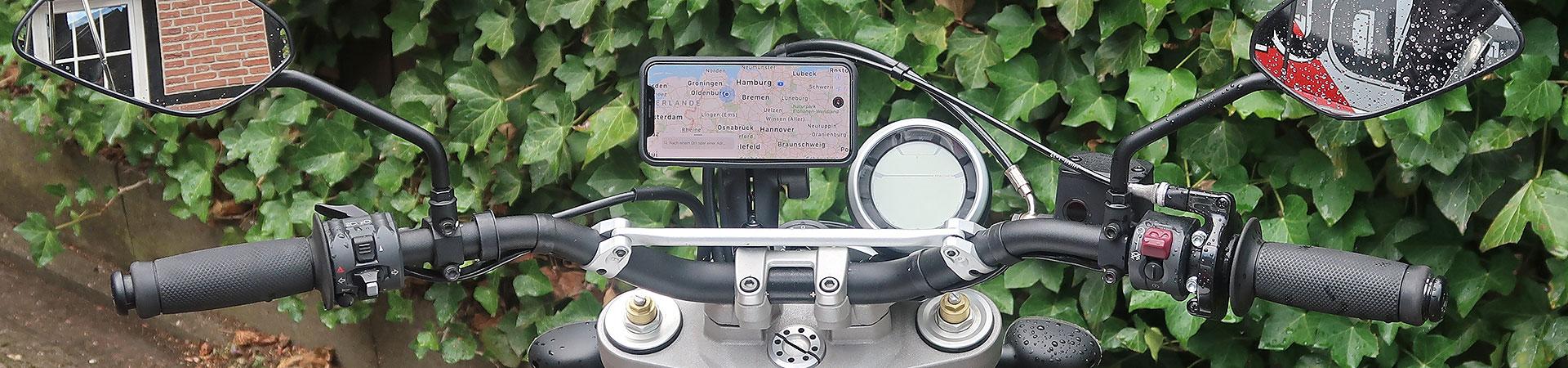Smartphone am Motorrad