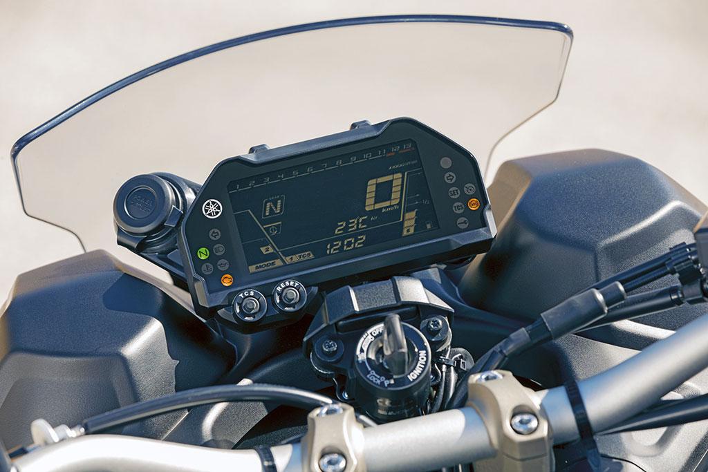 Cockpit Yamaha Niken, Modell 2018