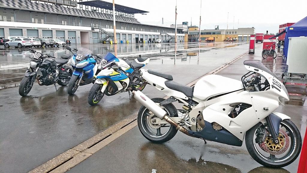 Bei Regen macht ein Training nicht so viel Spaß...