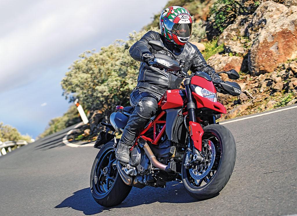 Ducati Hypermotard 950 - Modell 2019 - auf der Landstraße
