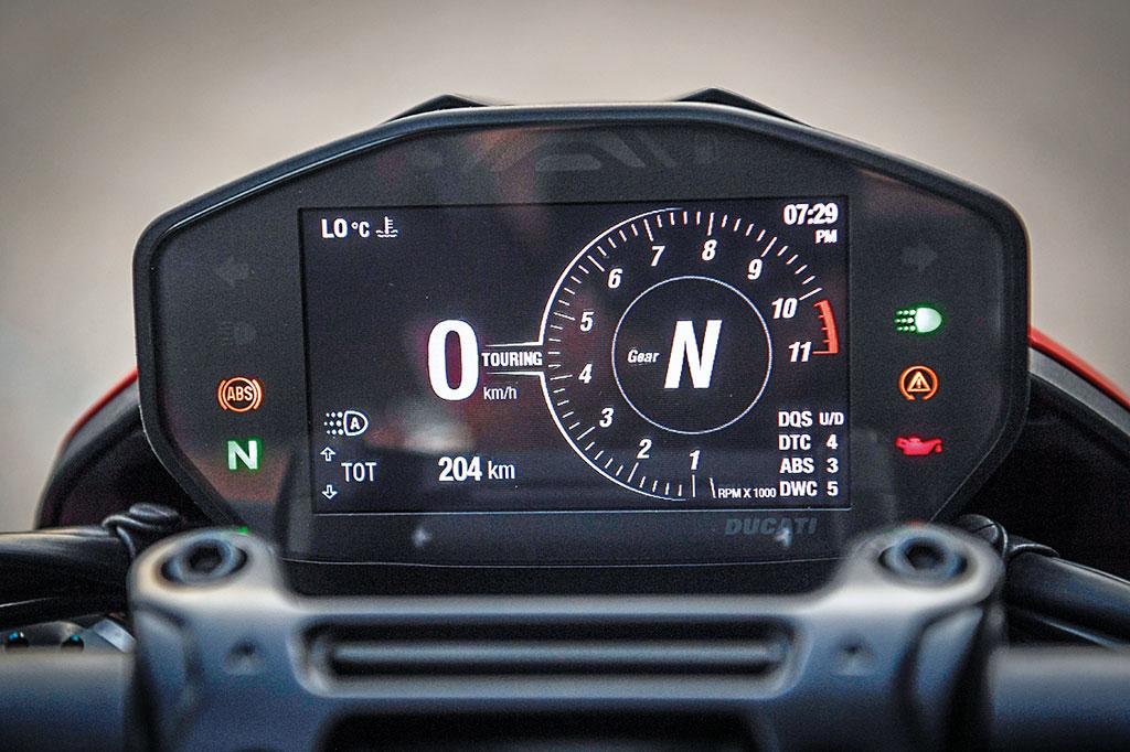 Ducati Hypermotard 950 - Modell 2019 - Cockpit