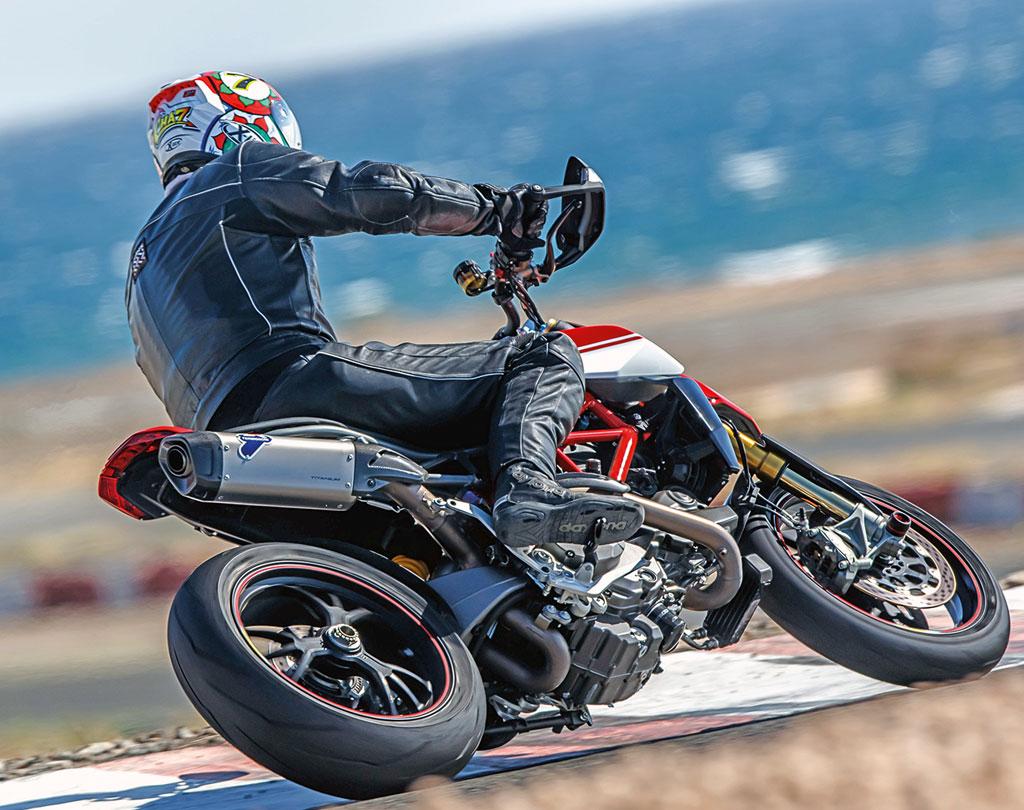 Ducati Hypermotard 950SP - Modell 2019 - auf der Renne
