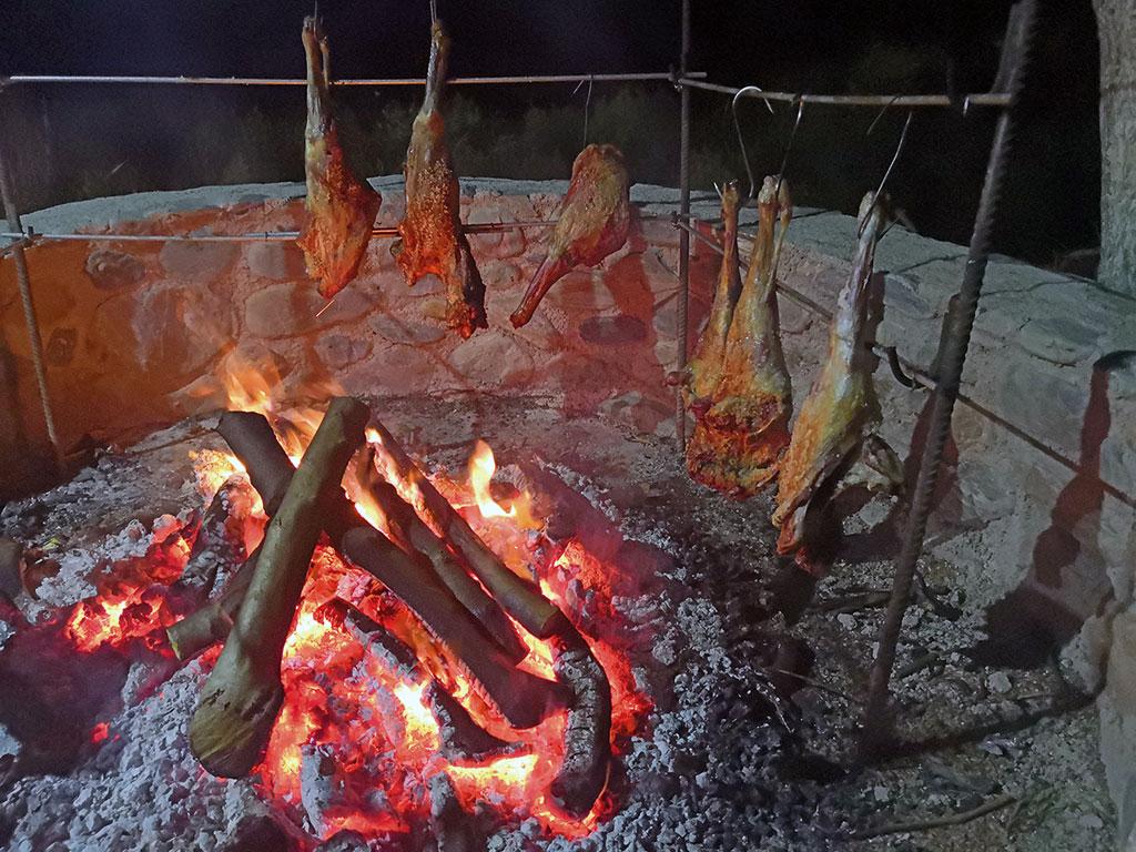 Lecker Essen auf Kreta - Fleisch gibt es reichlich...
