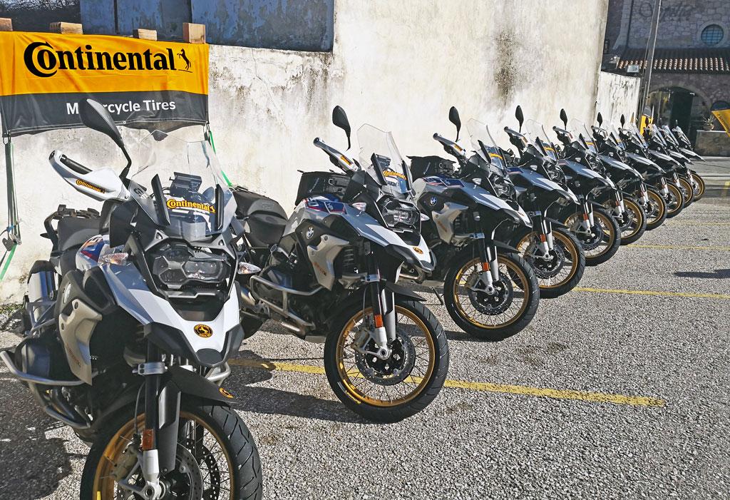 Warten auf den Einsatz - Präsentation des Continental TrailAttack3 auf Kreta