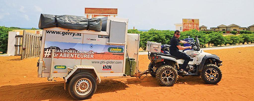 Rückfahrt mit Quad & Anhänger, Gerry Mayr mit der 125er FKM Street Scrambler FK12-SX in Afrika