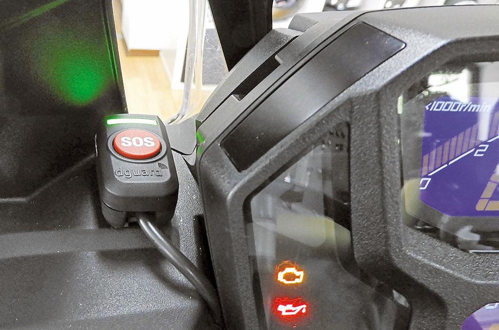 Digades dGuard SOS E-Call-System an Honda Africa Twin