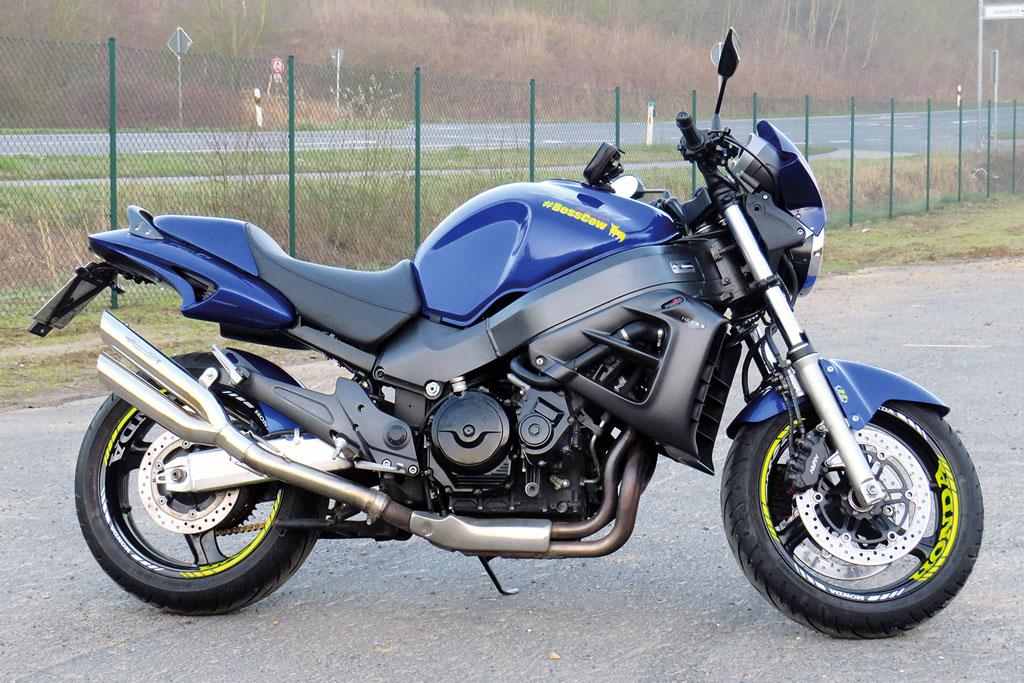 Honda X-eleven / X11 mit Vierrohr-Auspuffanlage