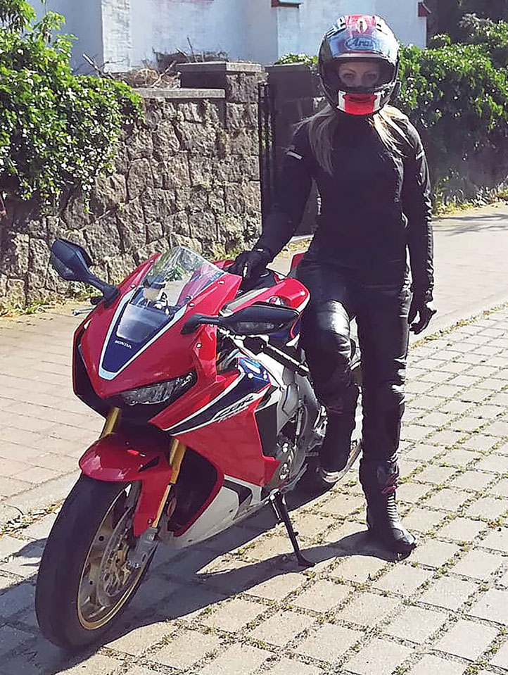 Motorrad frau mit Die Frau