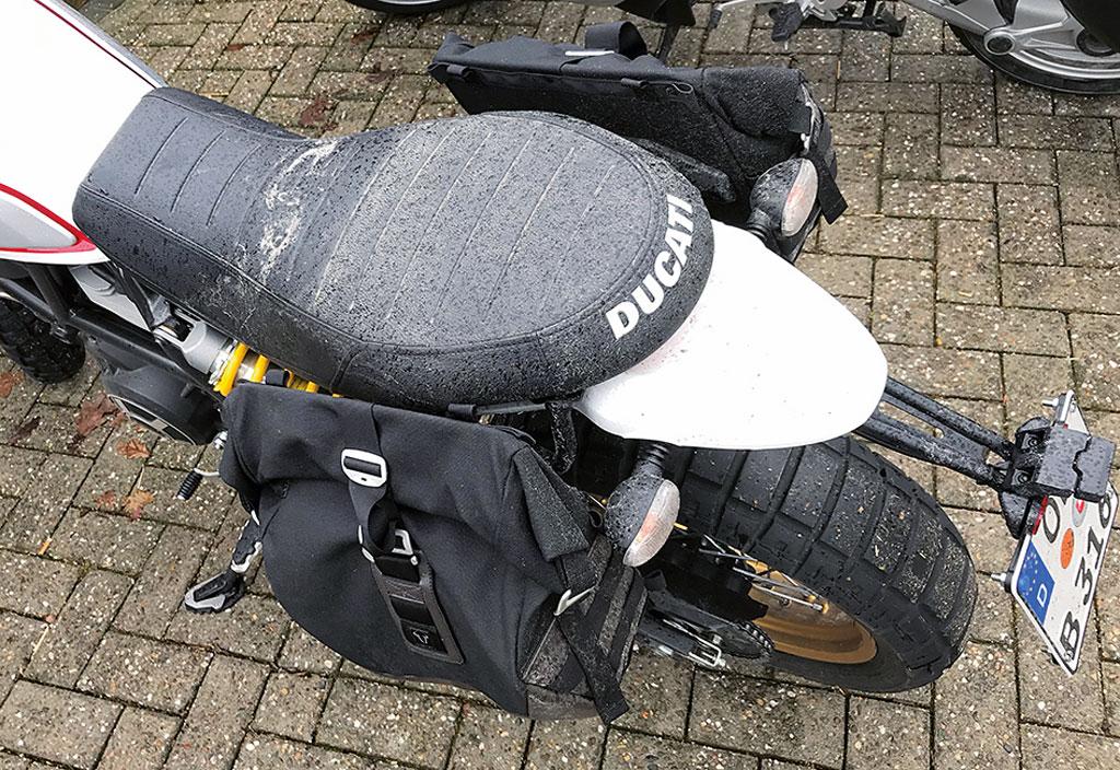 Mangelhafter Spritzschutz: Ducati Scrambler Desert Sled