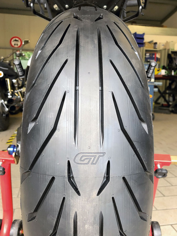 Pirelli Angel GT2 – cooles Profil